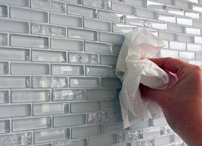 Преимущества и эксплуатационные возможности стеклянной плитки