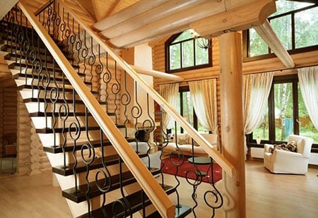 Выбираем материал для лестницы: металл или дерево
