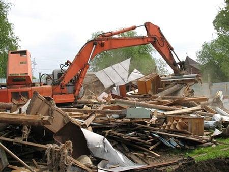 Демонтаж деревянных построек