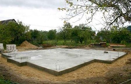Устройство фундамента для загородного дома