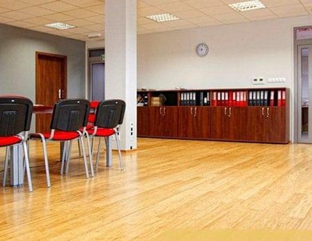 Деревянный пол для офиса